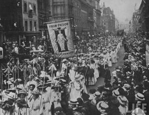 Suffragette_demonstration_1910